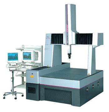 ミツトヨCNC三次元測定機